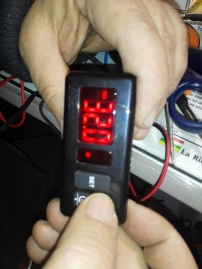 termostato-en-mano